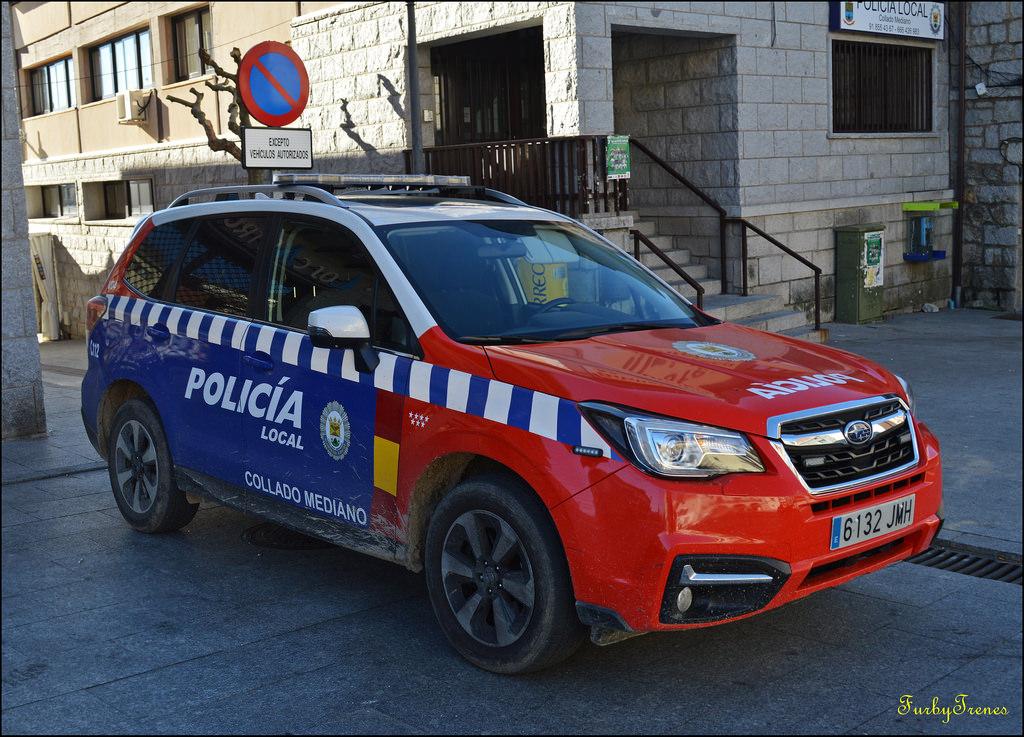 Policía local Collado Mediano coche