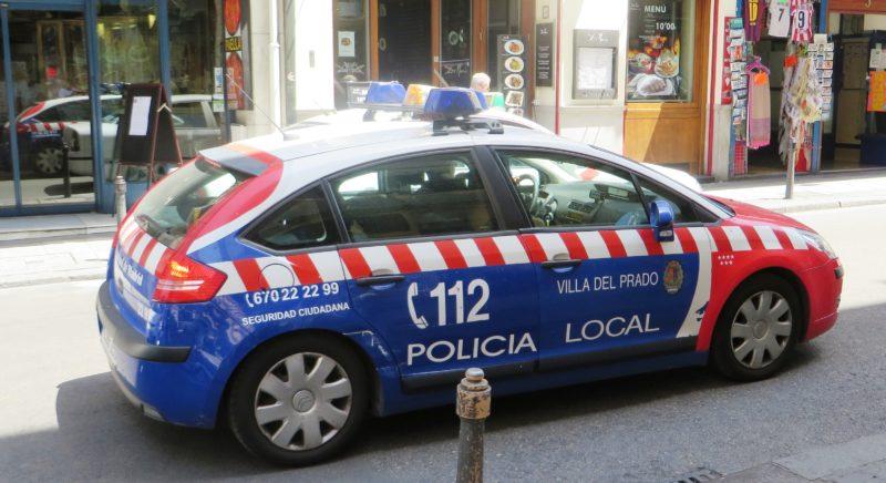 Policia local Villa del Prado coche
