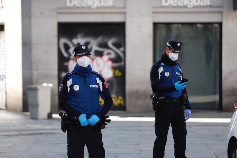 Policiía municipal Madrid mascarilla