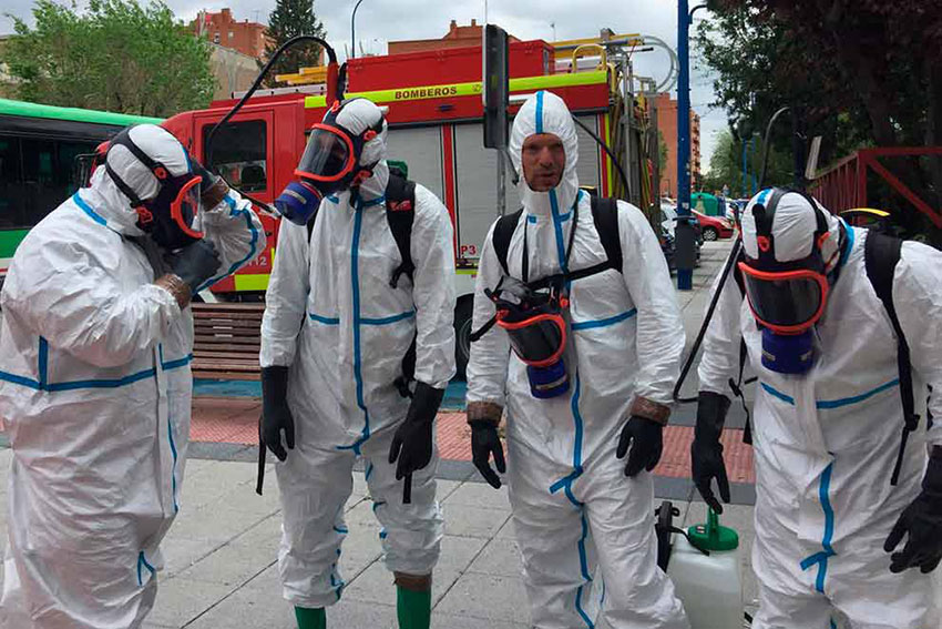 Bomberos leganes desinfectando