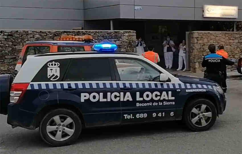 Policía local Becerril de la Sierra coche