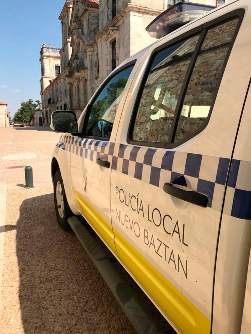 Policía local Nuevo Baztán coche