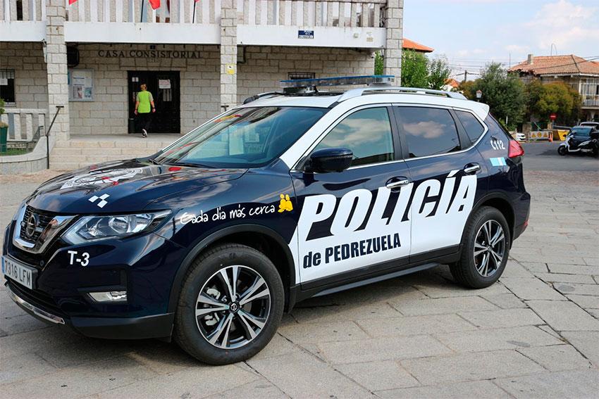 Policía local Pedrezuela coche