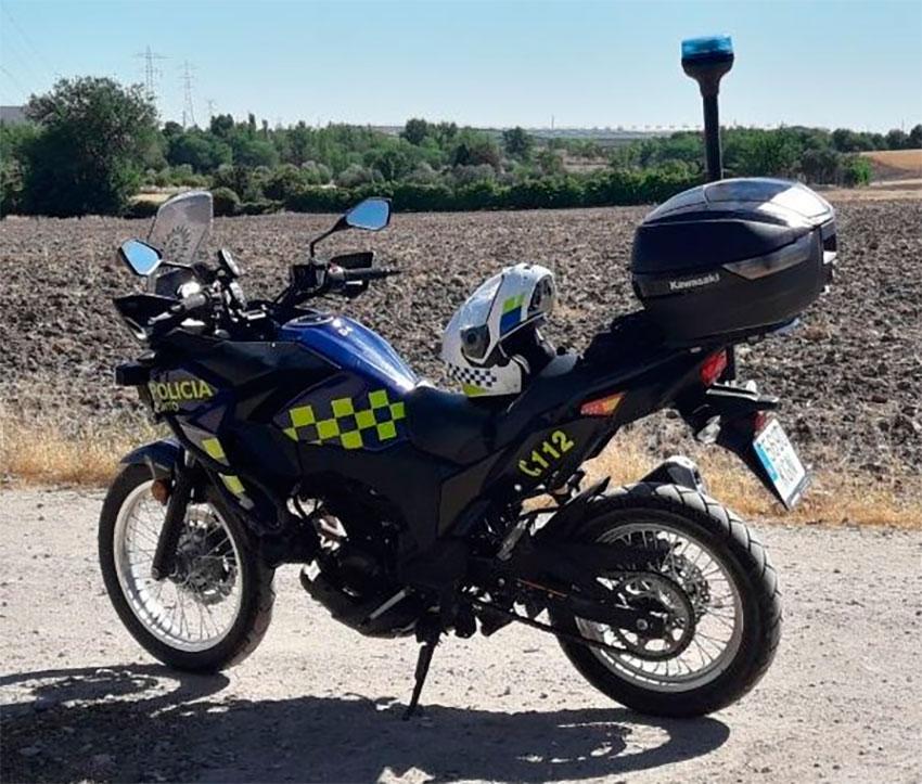 Policía local Pinto moto