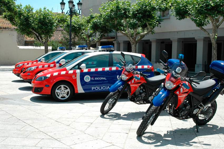 Policía local El Escorial coches y motos