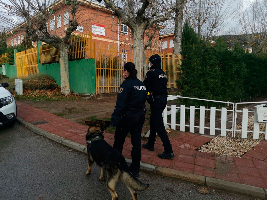 Unidad canina policia local collado mediano
