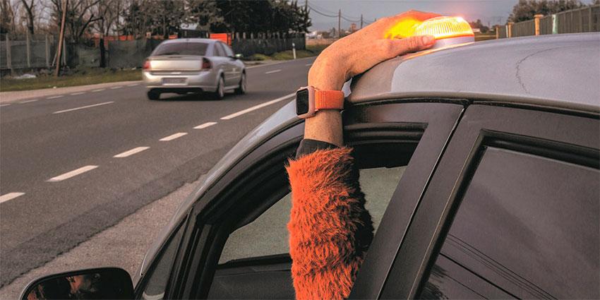 Señal luminosa V16 accidente tráfico